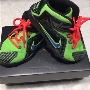 low priced 4e13c 55e93 NIKE Lebron James 12 gs kids shoes